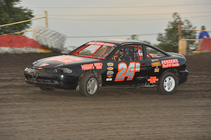 Car For Entry Level Dirt Track Racing